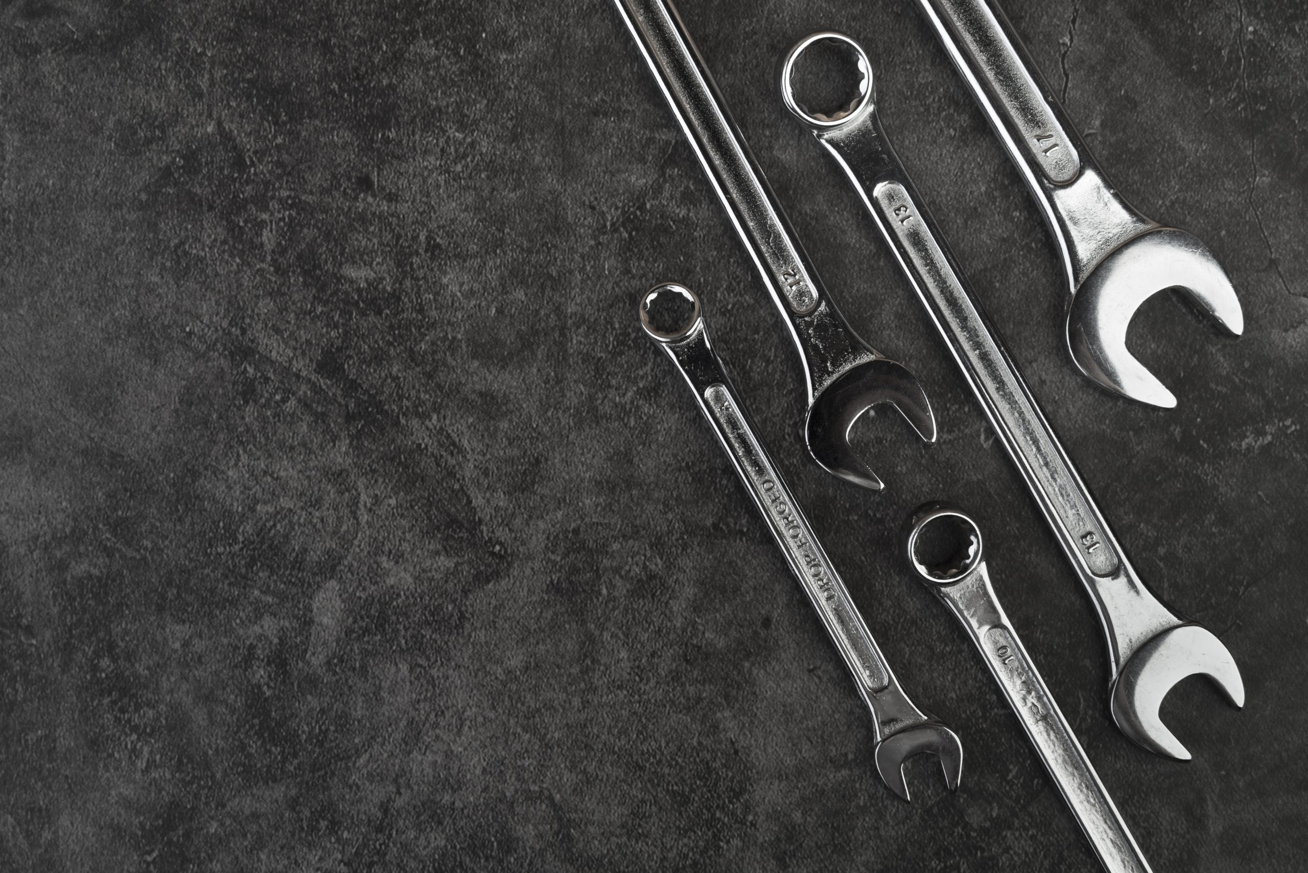 top-view-different-types-of-wrenches